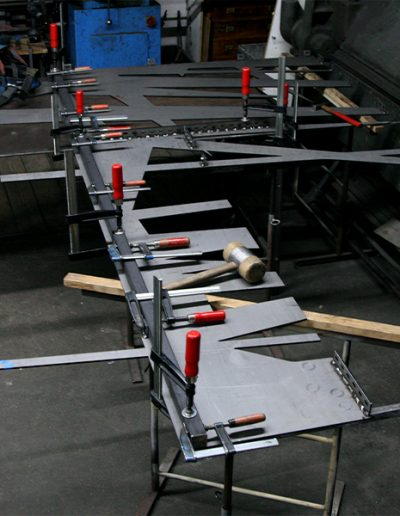 Foto: Anderl Kammermeier  Montage in der Metallwerkstatt Kruppstr. 16
